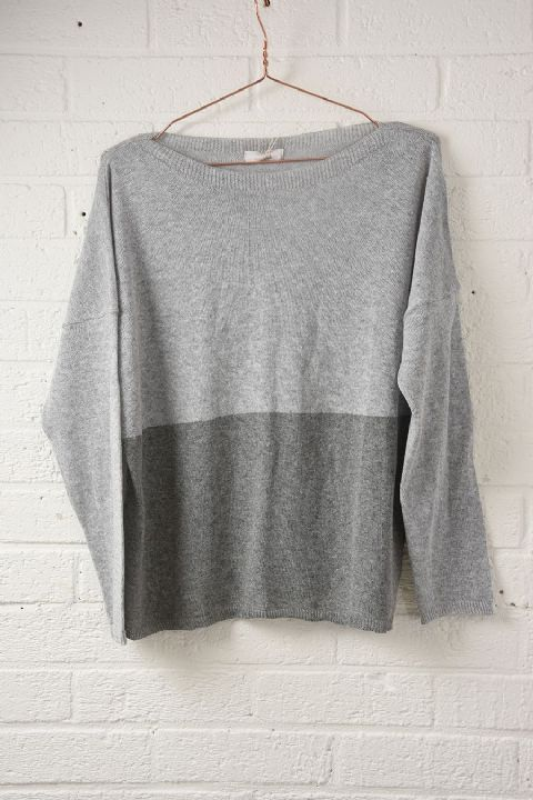 GREY COLOUR BLOCK JUMPER